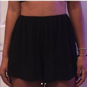 black flowy shorts